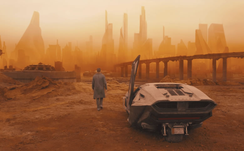 MEDITATIONS ON SIR RIDLEY SCOTT: ENVISIONING ENCHANTMENT AND STYLIZING SUPERREALITY